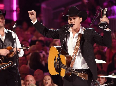 LAS VEGAS, NV - APRIL 02:  Recording artist Jon Pardi accepts the New Male Vocalist of the Year award presented by T-Mobile onstage during the 52nd Academy Of Country Music Awards at T-Mobile Arena on April 2, 2017 in Las Vegas, Nevada.  (Photo by Ethan Miller/Getty Images)