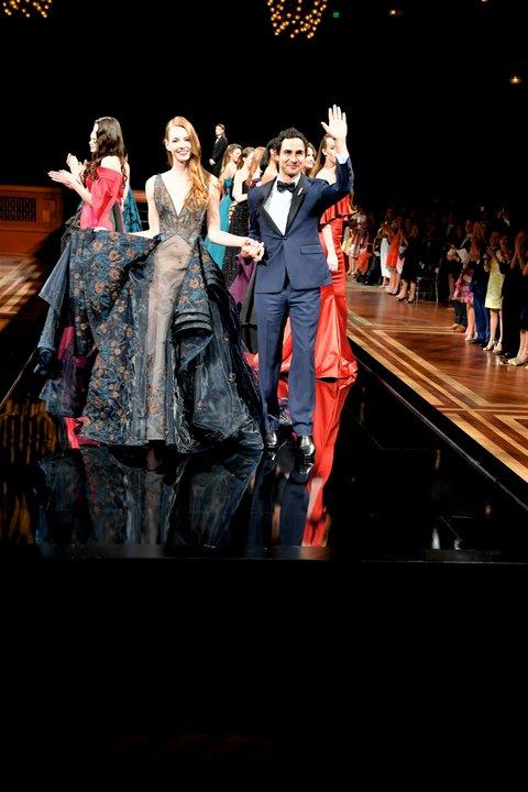 NASHVILLE, TN - APRIL 18:  Fashion Design Zac Posen (center) waves to attendees at Schermerhorn Symphony Center on April 18, 2017 in Nashville, Tennessee.  (Photo by Jason Davis/Getty Images)