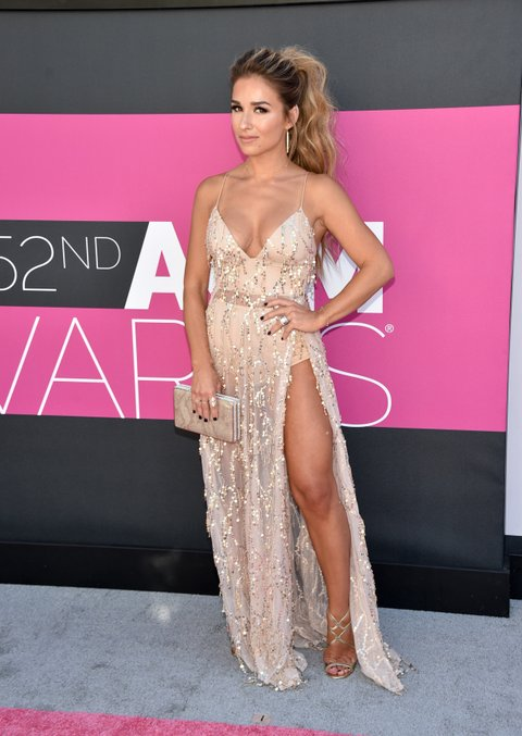 LAS VEGAS, NV - APRIL 02:  Singer Jessie James Decker attends the 52nd Academy Of Country Music Awards at Toshiba Plaza on April 2, 2017 in Las Vegas, Nevada.  (Photo by John Shearer/WireImage)