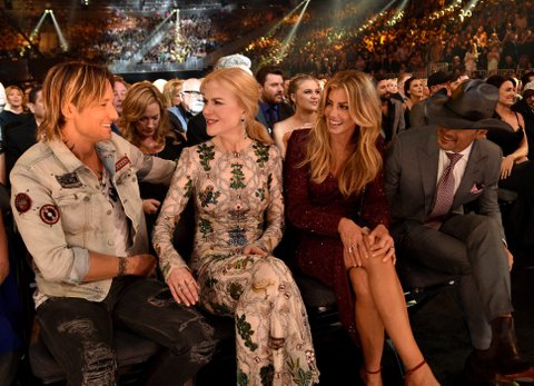 LAS VEGAS, NV - APRIL 02:  (L-R) Recording artist Keith Urban, actor Nicole Kidman, and recording artists Faith Hill and Tim McGraw attend the 52nd Academy Of Country Music Awards at T-Mobile Arena on April 2, 2017 in Las Vegas, Nevada.  (Photo by Kevin Mazur/ACMA2017/Getty Images for ACM)