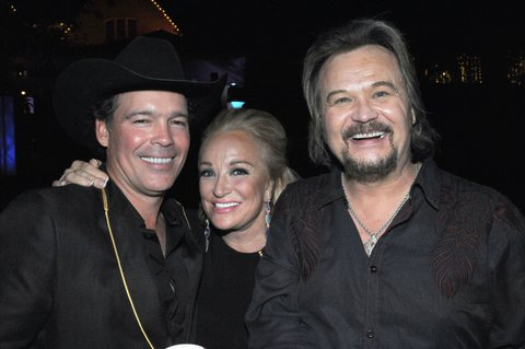 LOUISVILLE, KY - MAY 06: Clay Walker, Tanya Tucker, and Travis Tritt attends the Barnstable Brown House on May 6, 2016 in Louisville, Kentucky.  (Photo by Stephen J. Cohen/WireImage)