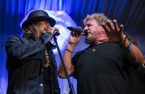 LOUISVILLE, KY - MAY 05: Kid Rock and Sammy Hagar perform at The Barnstable Brown Gala on May 5, 2017 in Louisville, Kentucky. (Photo by Michael Hickey/Getty Images)