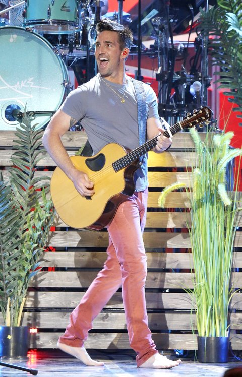 AUSTIN, TX - MAY 06:  Jake Owen performs onstage during the 2017 iHeartCountry Festival held at The Frank Erwin Center on May 6, 2017 in Austin, Texas.  (Photo by Michael Tran/FilmMagic)