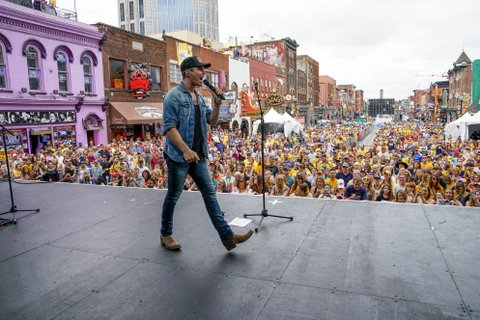 NASHVILLE, TN - JUNE 05:  Granger Smith performs at the 7th Annual Music City Gives Back concert in downtown Nashville on June 5, 2017 in Nashville, Tennessee.  (Photo by Ed Rode/Getty Images)