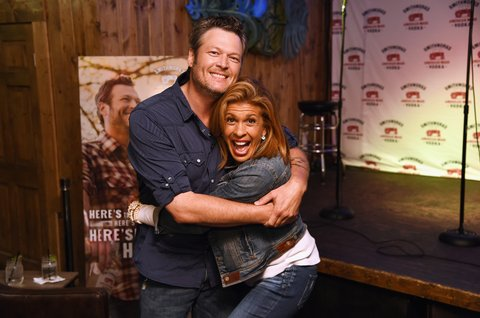 NASHVILLE, TN - JUNE 06: Blake Shelton (L) and Hoda Kotb celebrate the expansion of Smithworks Vodka in Nashville, Tennessee at karaoke bar WannaBs on June 6, 2017 in Nashville, Tennessee.  (Photo by Erika Goldring/Getty Images for Smithworks Vodka)