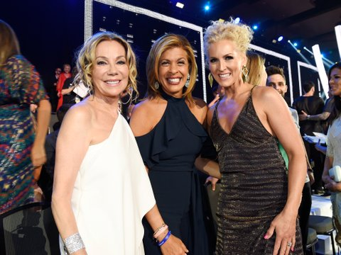 NASHVILLE, TN - JUNE 07: TV personalities Kathie Lee Gifford and Hoda Kotb and Kimberly Schlapman of Little Big Town attend the 2017 CMT Music Awards at the Music City Center on June 7, 2017 in Nashville, Tennessee.  (Photo by Kevin Mazur/WireImage)