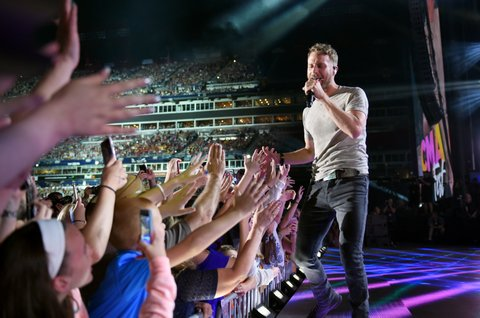 NASHVILLE, TN - JUNE 08:  (EDITORIAL USE ONLY) Singer-songwriter Dierks Bentley performs onstage for day 1 of the 2017 CMA Music Festival on June 8, 2017 in Nashville, Tennessee.  (Photo by John Shearer/Getty Images)