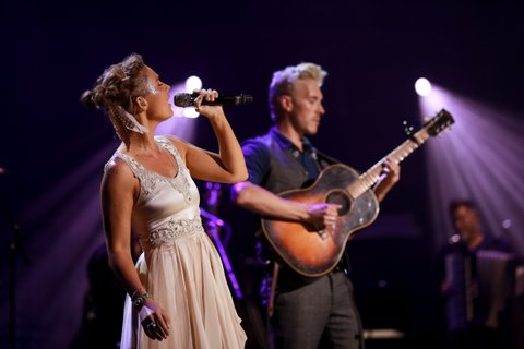 Clare Bowen and Sam Palladio