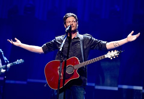 LAS VEGAS, NV - SEPTEMBER 19:  Singer Blake Shelton performs at the 2015 iHeartRadio Music Festival at the MGM Grand Garden Arena on September 19, 2015 in Las Vegas, Nevada.  (Photo by Kevin Winter/Getty Images for iHeartMedia)