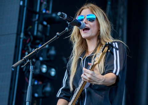 BROOKLYN, MI - JULY 23:  Lindsay Ell performs with Bobby Bones and the Raging Idiots during day 3 of Faster Horses Festival at Michigan International Speedway on July 23, 2017 in Brooklyn, Michigan.  (Photo by Scott Legato/Getty Images)