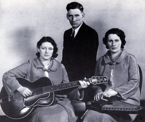 UNSPECIFIED - JANUARY 01:  (AUSTRALIA OUT) Photo of CARTER FAMILY  (Photo by GAB Archive/Redferns)
