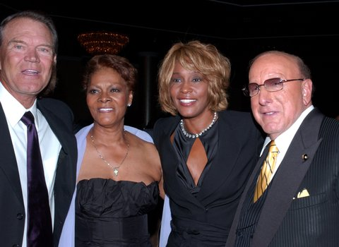Glen Campbell, Dionne Warwick, Whitney Houston  and Clive Davis (Photo by Mark Sullivan/WireImage)