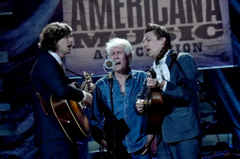 NASHVILLE, TN - SEPTEMBER 13:  Joey Ryan, Graham Nash, and Kenneth Pattengale perform onstage during the 2017 Americana Music Association Honors & Awards  on September 13, 2017 in Nashville, Tennessee.  (Photo by Rick Diamond/Getty Images for Americana Music)