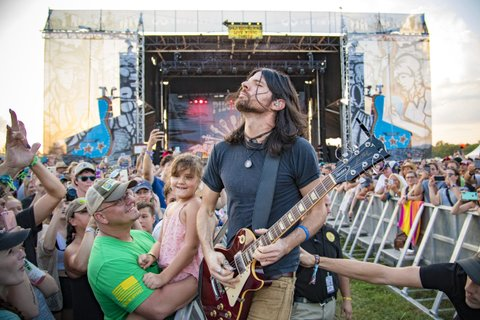 FRANKLIN, TN - SEPTEMBER 23:  Seth Avett of the Avett Brothers performs during the Pilgrimage Music & Cultural Festival 2017 on September 23, 2017 in Franklin, Tennessee.  (Photo by Erika Goldring/Getty Images for Pilgrimage Music & Cultural Festival)