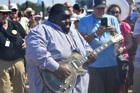FRANKLIN, TN - SEPTEMBER 24:  Kingfish performs during Pilgrimage Music & Cultural Festival on September 24, 2017 in Franklin, Tennessee.  (Photo by Mickey Bernal/Getty Images for Pilgrimage Music & Cultural Festival)