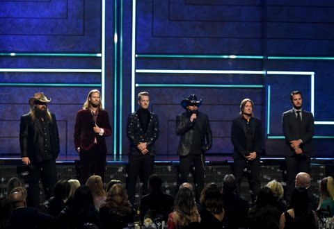 NASHVILLE, TN - OCTOBER 18:  (L-R) Honorees Chris Stapleton, Brian Kelley of Florida Georgia Line, Tyler Hubbard of Florida Georgia Line, Jason Aldean, Keith Urban and Luke Bryan speak onstage at the 2017 CMT Artists Of The Year on October 18, 2017 in Nashville, Tennessee.  (Photo by Rick Diamond/Getty Images for CMT)
