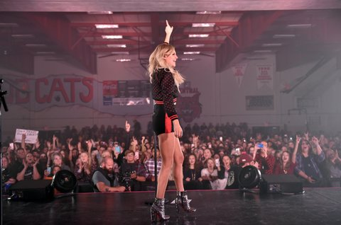 KNOXVILLE, TN - OCTOBER 28:  Singere-songwriter Kelsea Ballerini performs for Central High School presented by the Tennessee Department of Tourist Development on October 28, 2017 in Knoxville, Tennessee.  (Photo by John Shearer/Getty Images for Tennessee Department of Tourist Development)