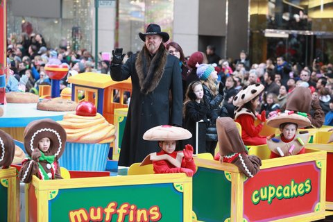 NEW YORK, NY - NOVEMBER 22:  Country musician Trace Adkins attends the 86th Annual Macy's Thanksgiving Day Parade on November 22, 2012 in New York City.  (Photo by Taylor Hill/FilmMagic)