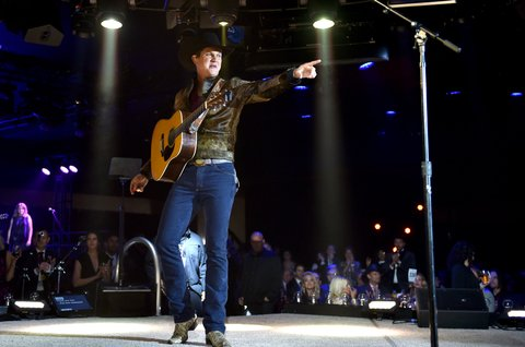 NASHVILLE, TN - NOVEMBER 07:  Singer-songwriter Jon Pardi performs onstage during the 65th Annual BMI Country Awards at BMI on November 7, 2017 in Nashville, Tennessee.  (Photo by John Shearer/Getty Images for BMI)