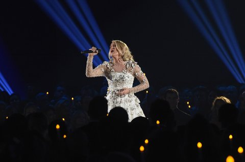 NASHVILLE, TN - NOVEMBER 08:  Host Carrie Underwood performs onstage at the 51st annual CMA Awards at the Bridgestone Arena on November 8, 2017 in Nashville, Tennessee.  (Photo by Rick Diamond/Getty Images)