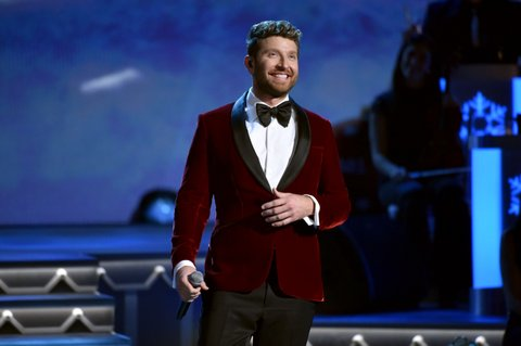 NASHVILLE, TN - NOVEMBER 14:  Brett Eldredge performs onstage for CMA 2017 Country Christmas at The Grand Ole Opry on November 14, 2017 in Nashville, Tennessee.  (Photo by John Shearer/Getty Images,)