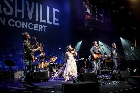 Group Performance with Sam_NashvilleRAH 061_Credit Christie Goodwin
