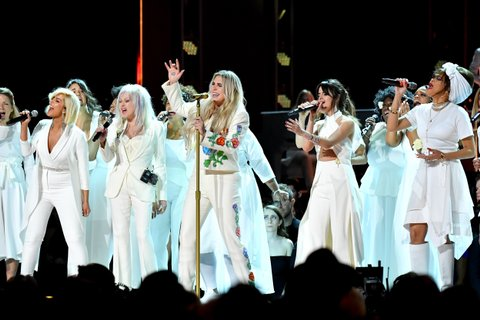 NEW YORK, NY - JANUARY 28:  Recording artists Bebe Rexha, Cyndi Lauper, Kesha, Camila Cabello and Andra Day perform onstage during the 60th Annual GRAMMY Awards at Madison Square Garden on January 28, 2018 in New York City.  (Photo by Jeff Kravitz/FilmMagic)