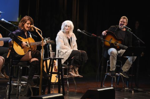 NEW YORK, NY - FEBRUARY 13:  Musicians Maren Morris, Emmylou Harris and Vince Gill perform onstage at the Country Music Hall of Fame and Museum's 'All for the Hall' Benefit on February 12, 2018 in New York City.  (Photo by Michael Loccisano/Getty Images for Country Music Hall Of Fame)