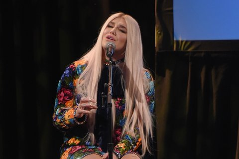 NEW YORK, NY - FEBRUARY 13:  Musician Kesha performs onstage at the Country Music Hall of Fame and Museum's 'All for the Hall' Benefit on February 12, 2018 in New York City.  (Photo by Michael Loccisano/Getty Images for Country Music Hall Of Fame)