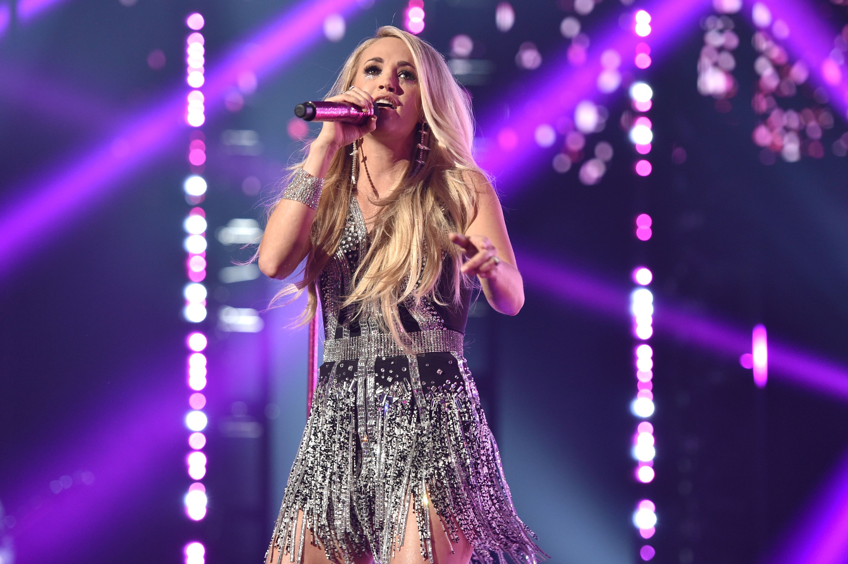 Carrie Underwood Reveals Face Fall 'Wasn't Pretty'
