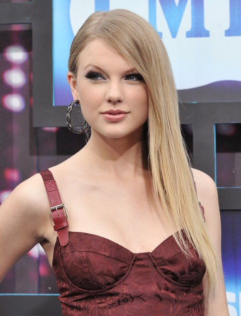Photos Taylor Swift S Cmt Music Awards Evolution Cmt