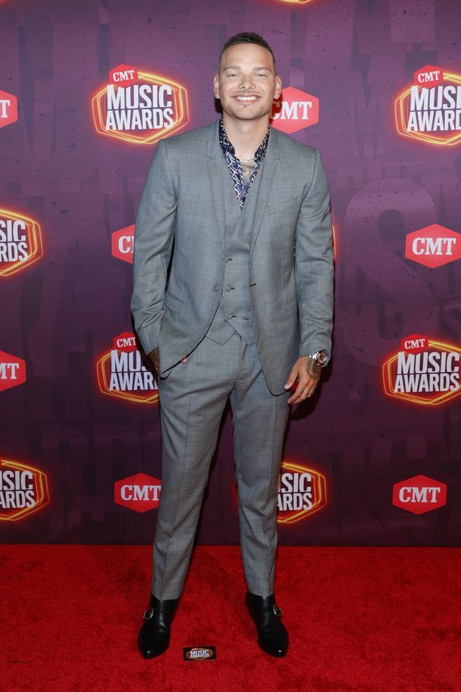 PICS: The Stars Shine on 'CMT Music Awards' Red Carpet   CMT