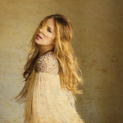 Lucie Silvas  - photo