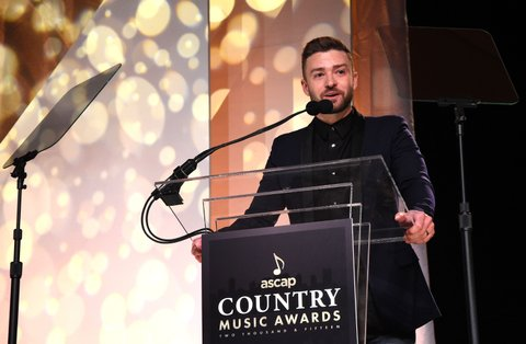 NASHVILLE, TN - NOVEMBER 02:  Singer-songwriter Justin Timberlake speaks onstage during the 53rd annual ASCAP Country Music awards at the Omni Hotel on November 2, 2015 in Nashville, Tennessee.  (Photo by Michael Loccisano/Getty Images)