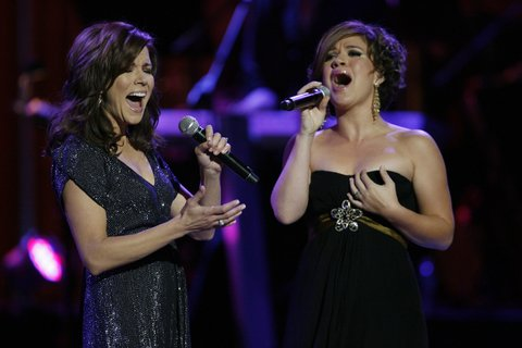Martina McBride and Kelly Clarkson during CMT Giants Honoring Reba McEntire - Show at Kodak Theater in Hollywood, California, United States. (Photo by Chris Polk/FilmMagic)