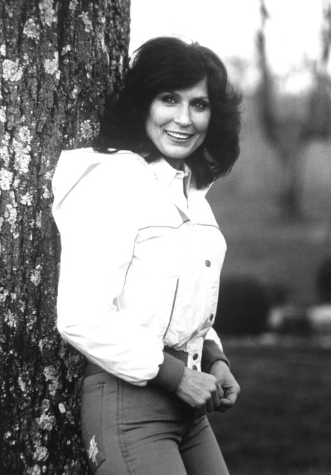 UNSPECIFIED - CIRCA 1970:  Photo of Loretta Lynn  Photo by Michael Ochs Archives/Getty Images