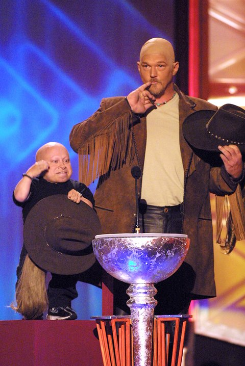 Verne J. Troyer, on left, and Trace Adkins during the first ever CMT Flameworthy Video Music Awards at the Gaylord Entertainment Center in Nashville, Tennesee.  6/12/02  Photo by Scott Gries/ImageDirect