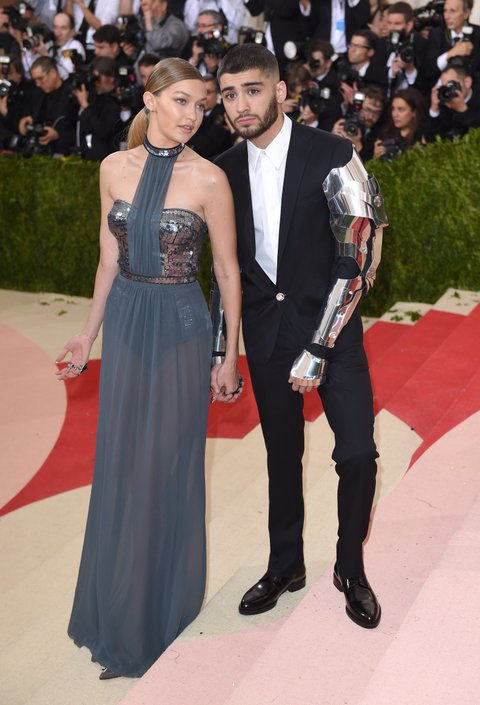 NEW YORK, NY - MAY 02: Zayn Malik and Gigi Hadid arrive for the 'Manus x Machina: Fashion In An Age Of Technology' Costume Institute Gala at Metropolitan Museum of Art on May 2, 2016 in New York City.