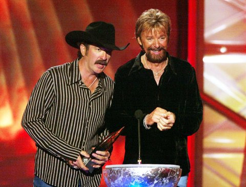 Brooks & Dunn receive their award during the first ever CMT Flameworthy Video Music Awards at the Gaylord Entertainment Center in Nashville, Tennesee.  6/12/02  Photo by Scott Gries/Getty Images