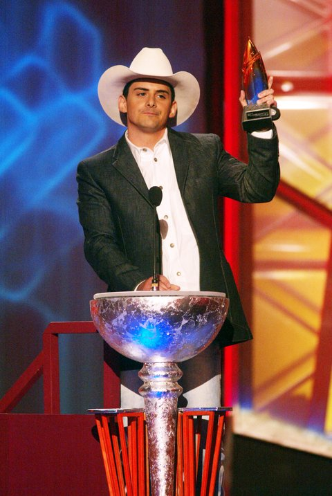 Brad Paisley receives his award during the first ever CMT Flameworthy Video Music Awards at the Gaylord Entertainment Center in Nashville, Tennesee.  6/12/02  Photo by Scott Gries/Getty Images