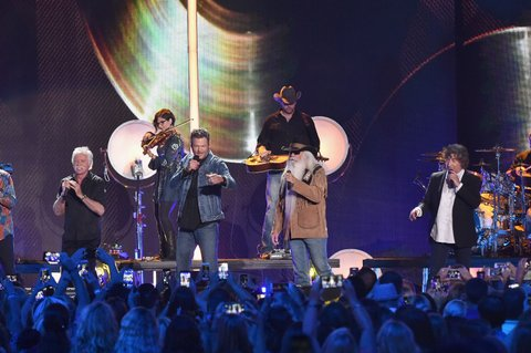 NASHVILLE, TN - JUNE 08:  William Lee Golden, Richard Sterban, Joe Bonsall, Duane Allen from musical group The Oak Ridge Boys and singer-songwriter Blake Shelton performs onstage during the 2016 CMT Music awards at the Bridgestone Arena on June 8, 2016 in Nashville, Tennessee.  (Photo by Mike Coppola/Getty Images for CMT)