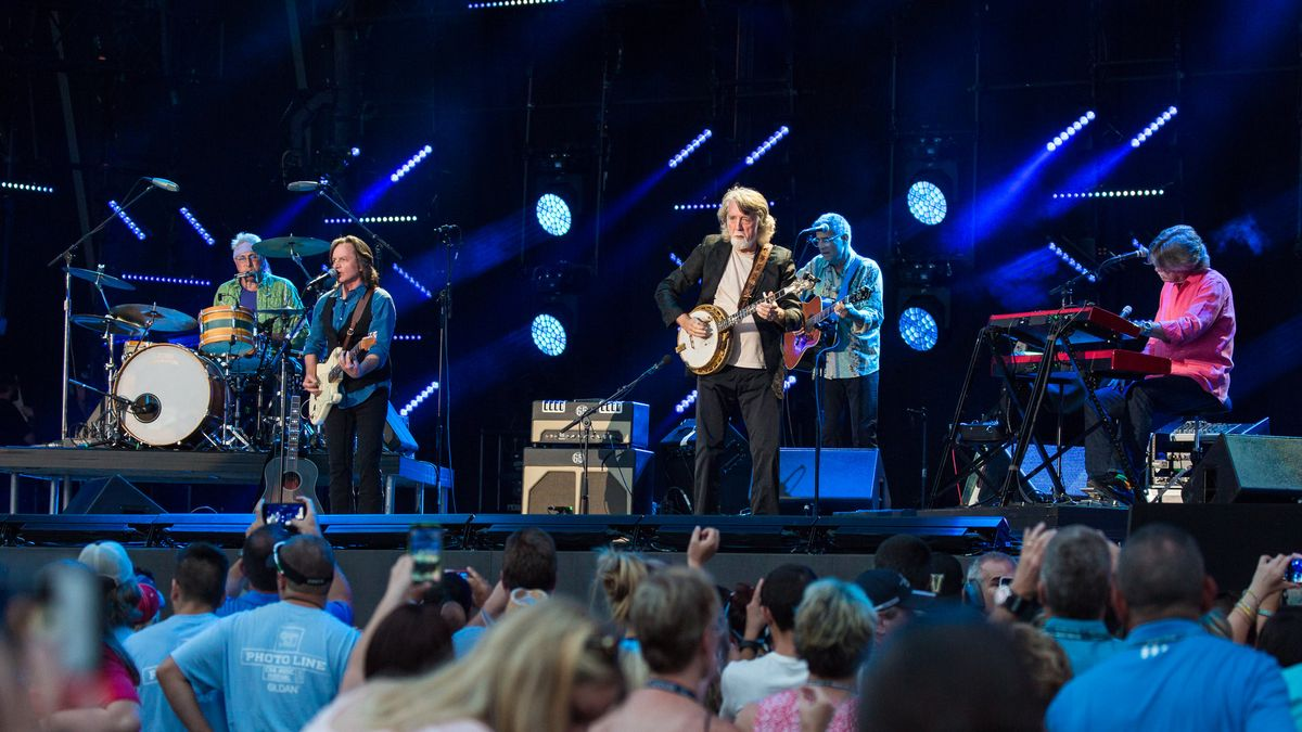 NASHVILLE, TN - JUNE 11: Nitty Gritty Dirt Band perform during the 2016 CMA Music Festival at Nissan Stadium on June 11, 2016 in Nashville, Tennessee. (Photo by Richard Gabriel Ford/Getty Images)
