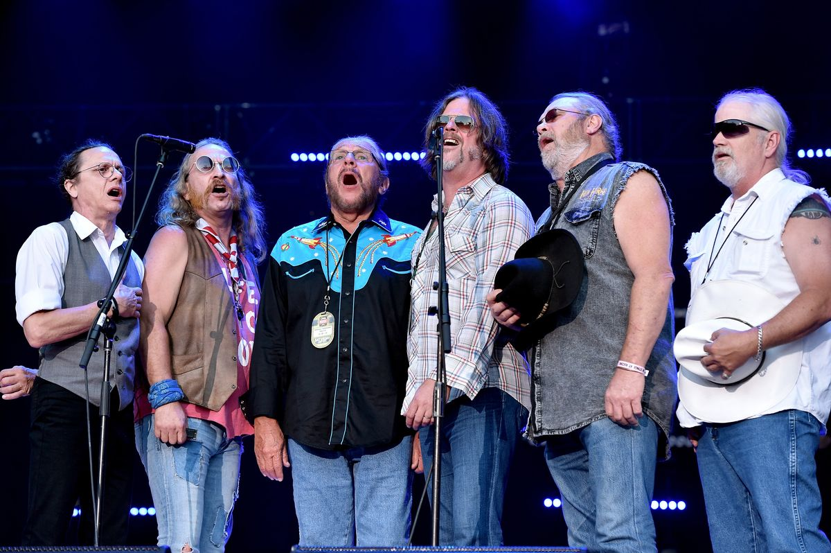 NASHVILLE, TN - JUNE 11: B.B. Borden, Pat Elwood, Doug Gray, Marcus James Henderson, Chris Hicks and Rick Willis from muscial group Marshall Tucker Band performs onstage during 2016 CMA Festival - Day 3 at Nissan Stadium on June 11, 2016 in Nashville, Tennessee.  (Photo by John Shearer/Getty Images)