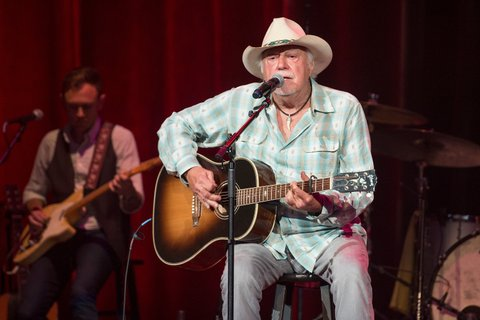 NASHVILLE, TN - AUGUST 16:  Jerry Jeff Walker performs at Ryman Auditorium on August 16, 2016 in Nashville, Tennessee.  (Photo by Erika Goldring/Getty Images)