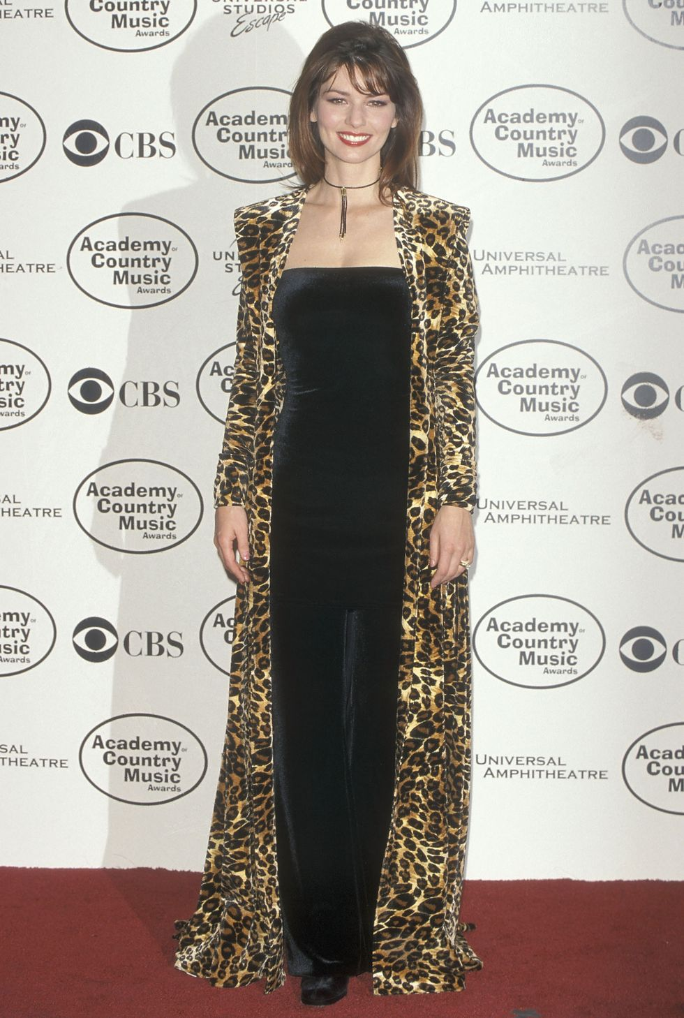 UNIVERSAL CITY, CA - MAY 5:   Singer Shania Twain attends the 34th Annual Academy of Country Music Awards on May 5, 1999 at the Universal Amphitheatre in Universal City, California. (Photo by Ron Galella, Ltd./WireImage)