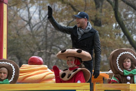 NEW YORK, NY - NOVEMBER 27:  Singer-songwriter Cole Swindell attends the 88th Annual Macy's Thanksgiving Day Parade on Streets of Manhattan on November 27, 2014 in New York City.  (Photo by Mike Pont/FilmMagic)