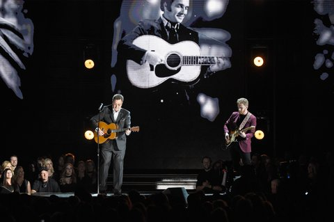 NASHVILLE, TN - NOVEMBER 02:  Vince Gill performs onstage at the 50th annual CMA Awards at the Bridgestone Arena on November 2, 2016 in Nashville, Tennessee.  (Photo by Gustavo Caballero/Getty Images)