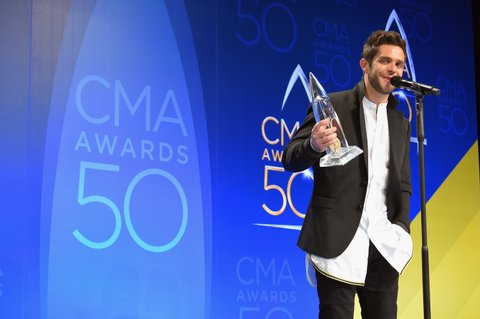 NASHVILLE, TN - NOVEMBER 02:  Thomas Rhett speaks in the press room during the 50th annual CMA Awards at the Bridgestone Arena on November 2, 2016 in Nashville, Tennessee.  (Photo by Michael Loccisano/Getty Images)