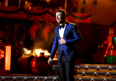 NASHVILLE, TN - NOVEMBER 08:  Singer-songwriter Brett Eldredge performs on stage during the CMA 2016 Country Christmas on November 8, 2016 in Nashville, Tennessee.  (Photo by John Shearer/WireImage)