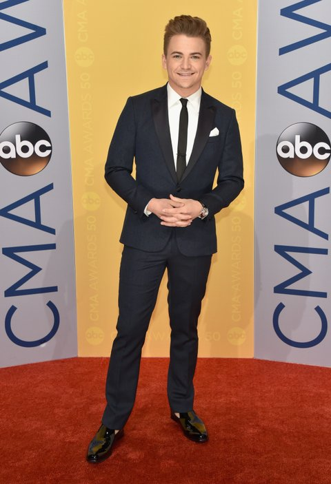 NASHVILLE, TN - NOVEMBER 02:  Singer-songwriter Hunter Hayes attends the 50th annual CMA Awards at the Bridgestone Arena on November 2, 2016 in Nashville, Tennessee.  (Photo by John Shearer/WireImage)
